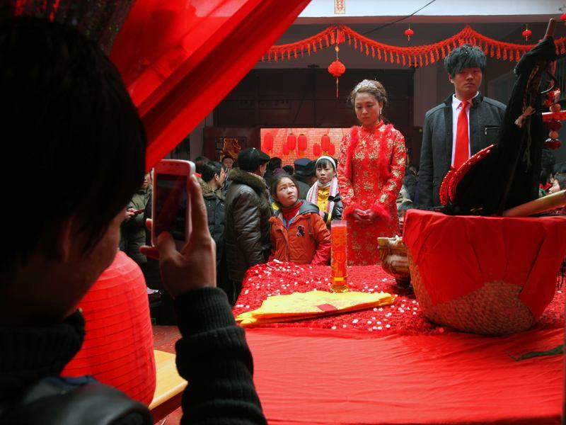 """农村结婚标准新升级,女方要求""""一扶一高一帮"""",看完明白了_"""