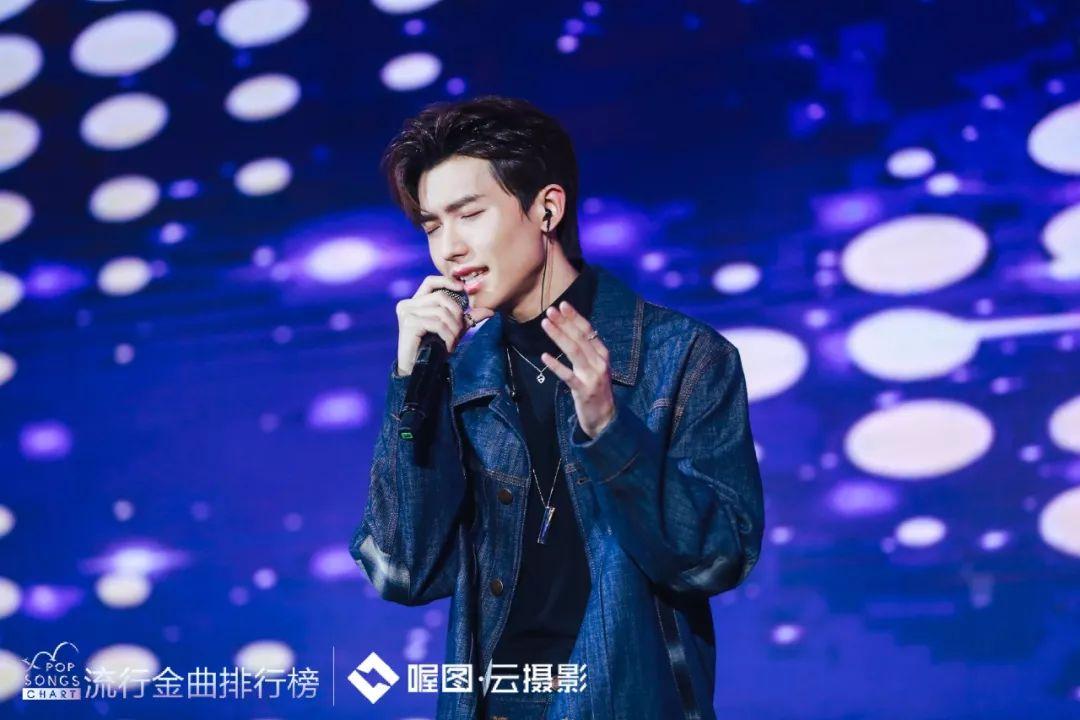 2019抒情歌曲排行榜_韩国Mnet一周音乐排行榜 14.1.5 15.1.11