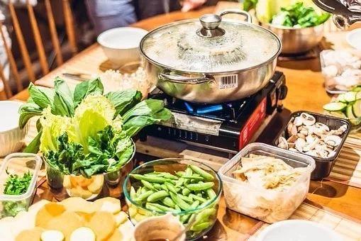 [中国最古老的火锅你吃过吗?一锅巨能装,再也不怕涮肉被人捞走了]