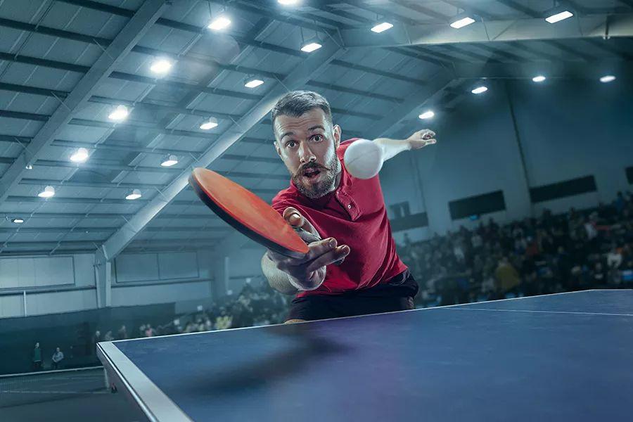 只懂技巧没有力量是打不好乒乓球的!