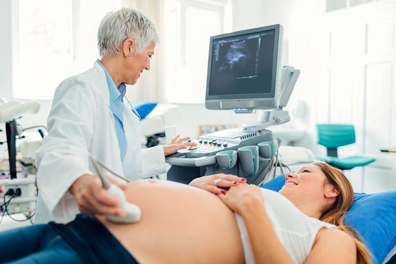 孕晚期彩超被无视,生下宝宝,被诊断发育不全:人流不全彩超诊断