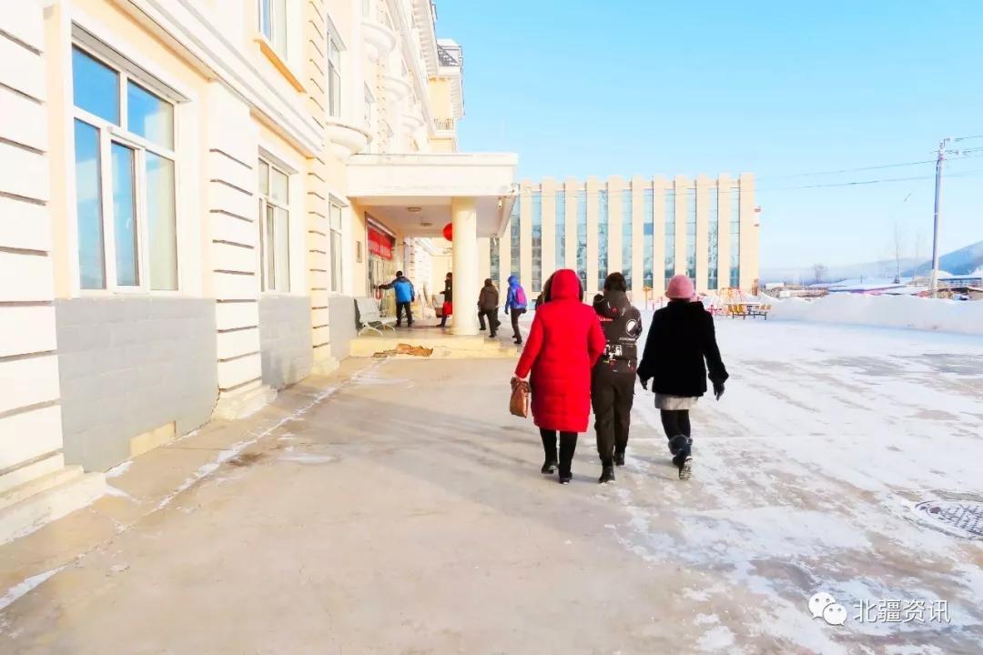 这个冬天不再寒冷!爱心人士走进根河市社会福利院