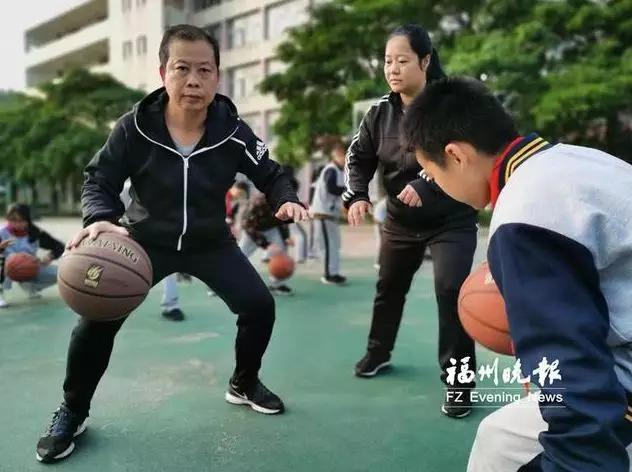 "<b>福清这位老师花了30年时间,""改变人们对体育老师的偏见""!</b>"