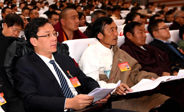 <b>阿坝州第十二届人民代表大会第四次会议举行第二次全体会议</b>
