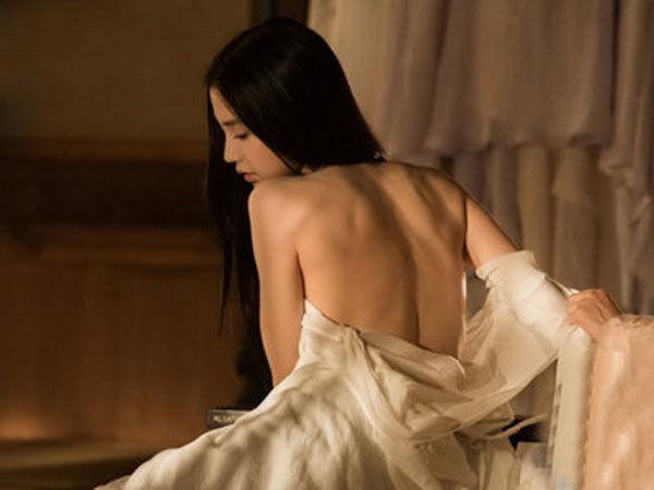 颜值不够美背来凑,盘点娱乐圈女星的诱人性感美背