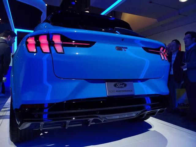 这款CES上亮相的福特电动车,我要说你越懒它就越适合你