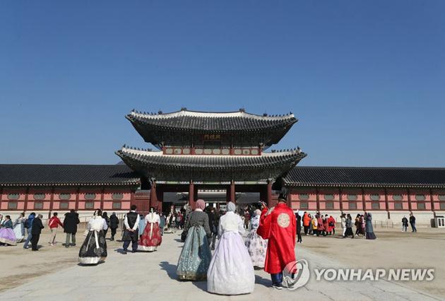 """中国大学生春节赴韩旅游不仅""""免签证费"""" 还"""