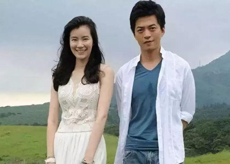 她是清华美女博士,3次拒绝进娱乐圈,嫁天才歌手