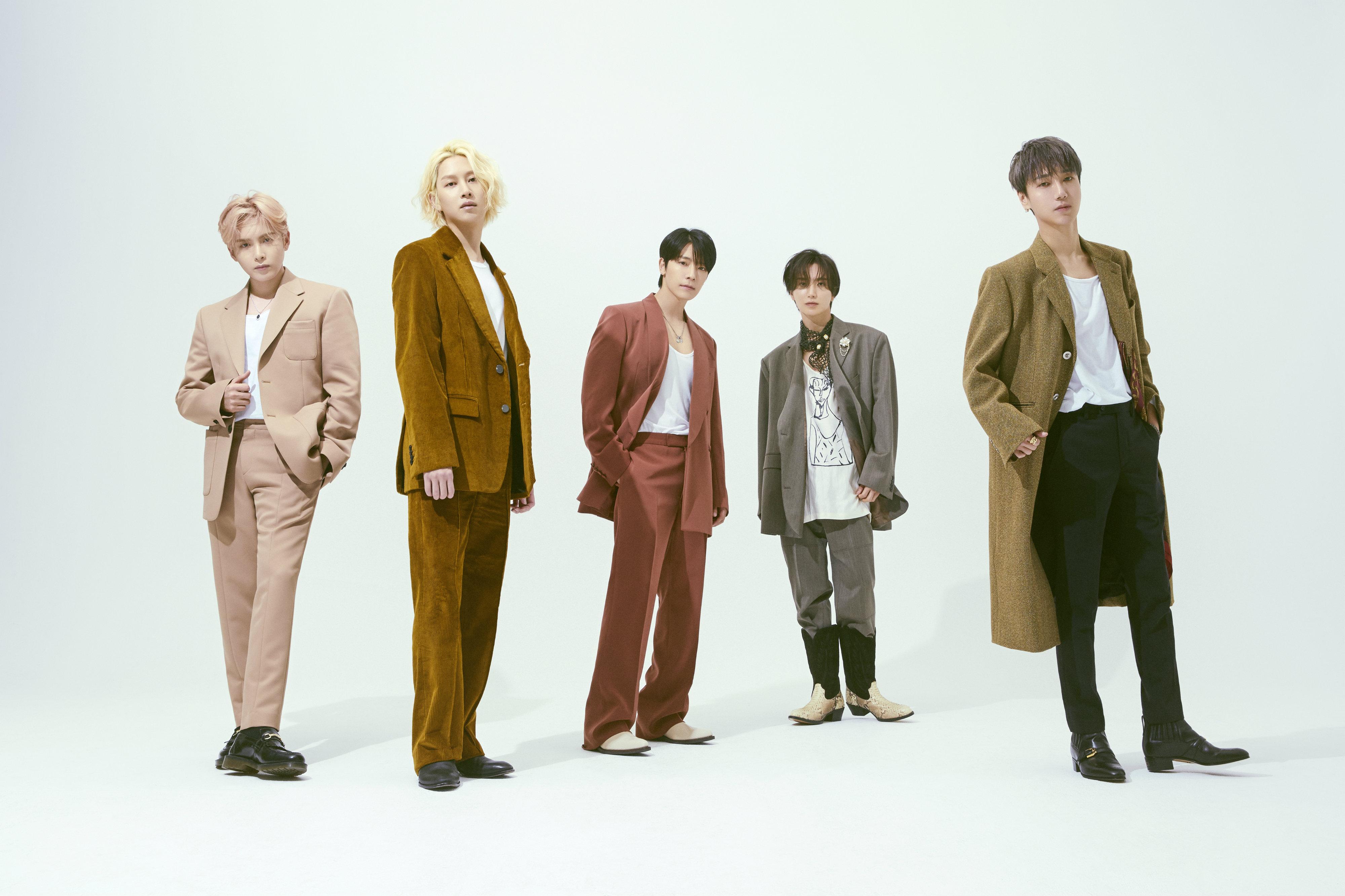 "SUPER JUNIOR《TIMELESS》首个团体预告照公开 干练的""时尚男""风格吸引视线"