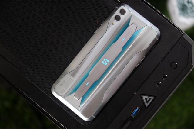 最强游戏手机?黑鲨手机3将采用2K+120Hz刷新率+16G运存豪华配置
