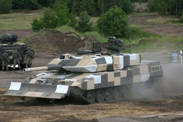 世界最先进坦克 德国豹-2A6主战坦克有