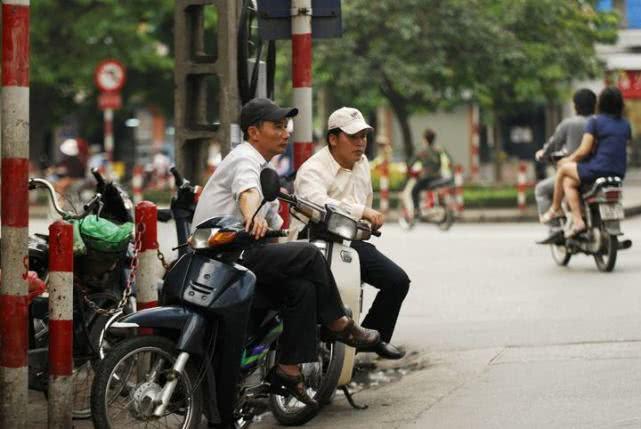 越南总人口_中国、越南历年老年人(65岁及以上)占总人口比重比较--快易数据