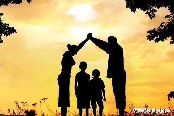 优秀的父母和平庸的父母,区别之一,是每晚坚持做一件事