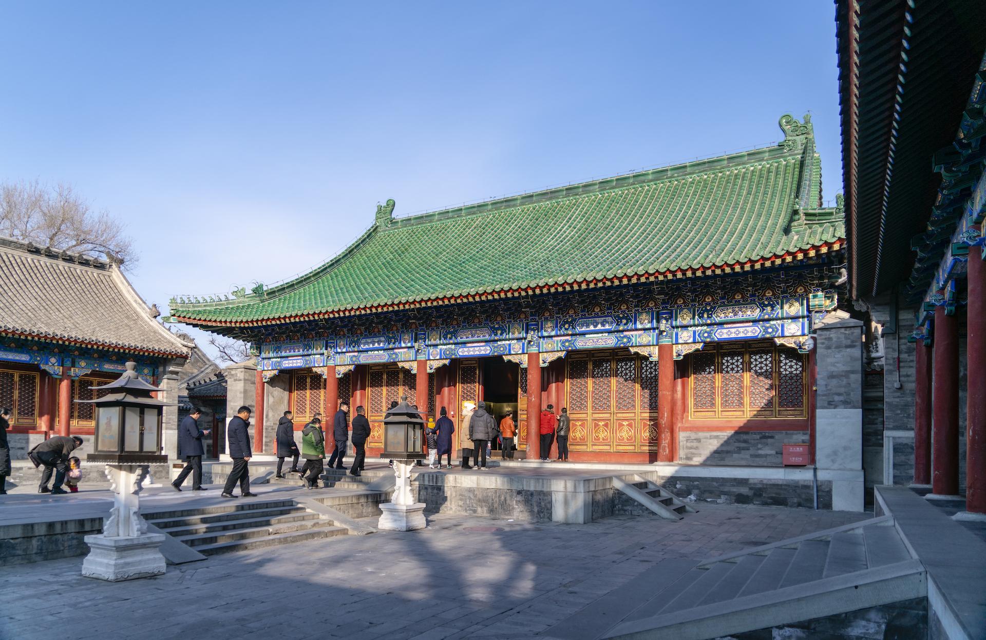 北京风水宝地有座最大的王府,为和珅所建,当年却只卖了8万元