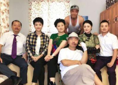 赵本山徒弟被举报出轨,老婆证据很劲爆!他却还在导演乡村爱情?
