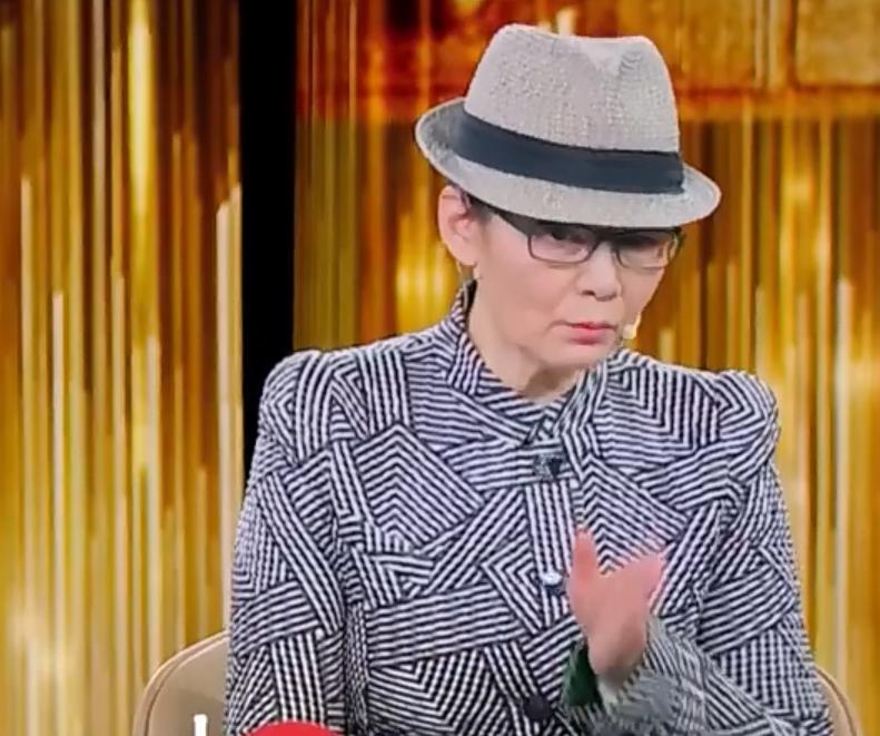 65岁潘虹上央视谈《人到中年》,整部剧只哭了一次却哭疼了无数人