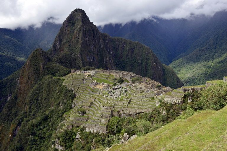 在秘鲁马丘比丘神庙内大便,6名游客被捕……