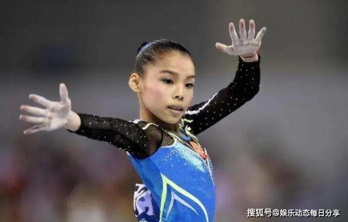原创她是中国体操冠军,自己省吃俭用给哥哥买房娶妻,23岁仍似小学生.