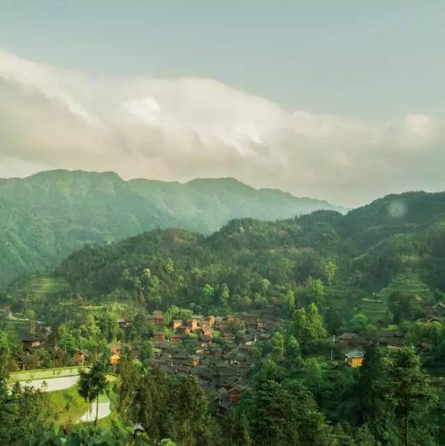体验原生态文化,就去反排苗寨看木鼓舞和听多声部情歌