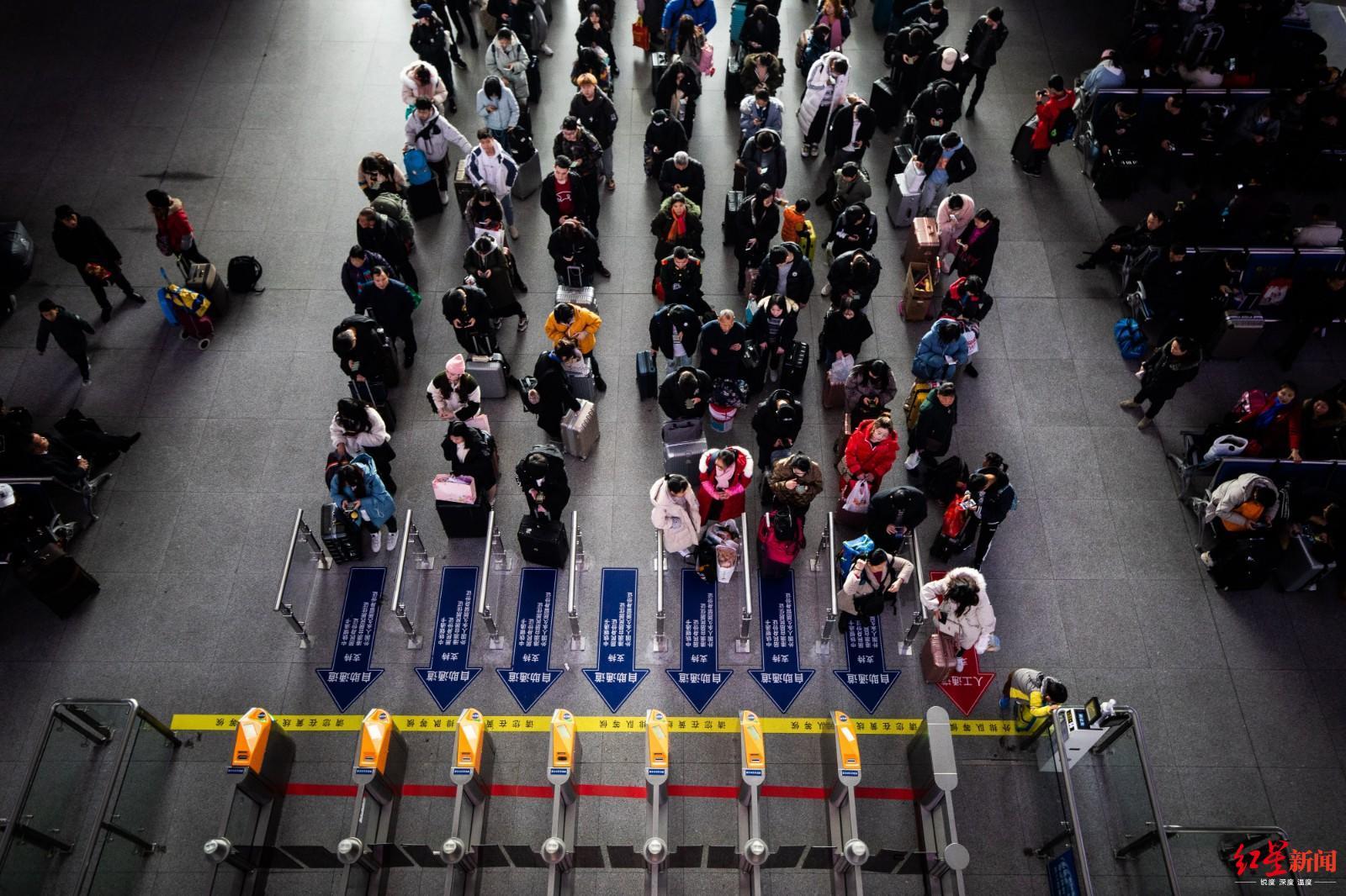 """成都东站有颗最强大脑:每天""""算""""出25万人次的平安归途"""