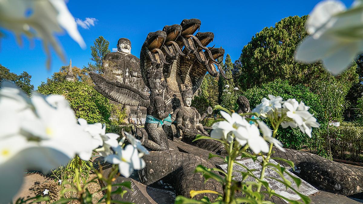 <b>泰国最奇葩景点之一,廊开府撒拉教窟,雕塑比西游记内容还奇幻</b>