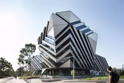 它明明是澳洲顶尖高校,却因校名太奇怪被误认野鸡大学!