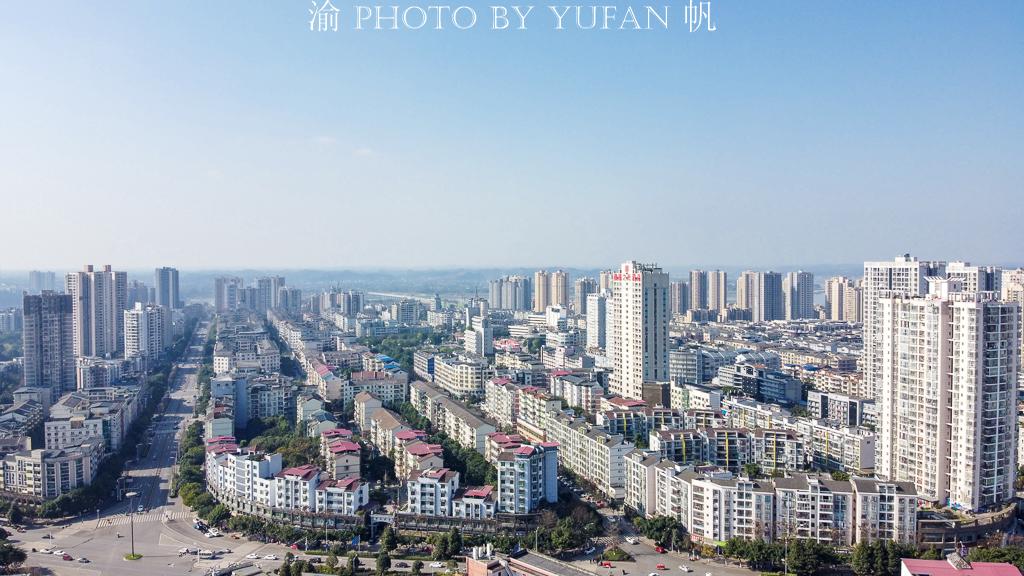 """重庆最不像山城的远郊区,曾经""""其实一条街"""",如今颇具大城风范"""