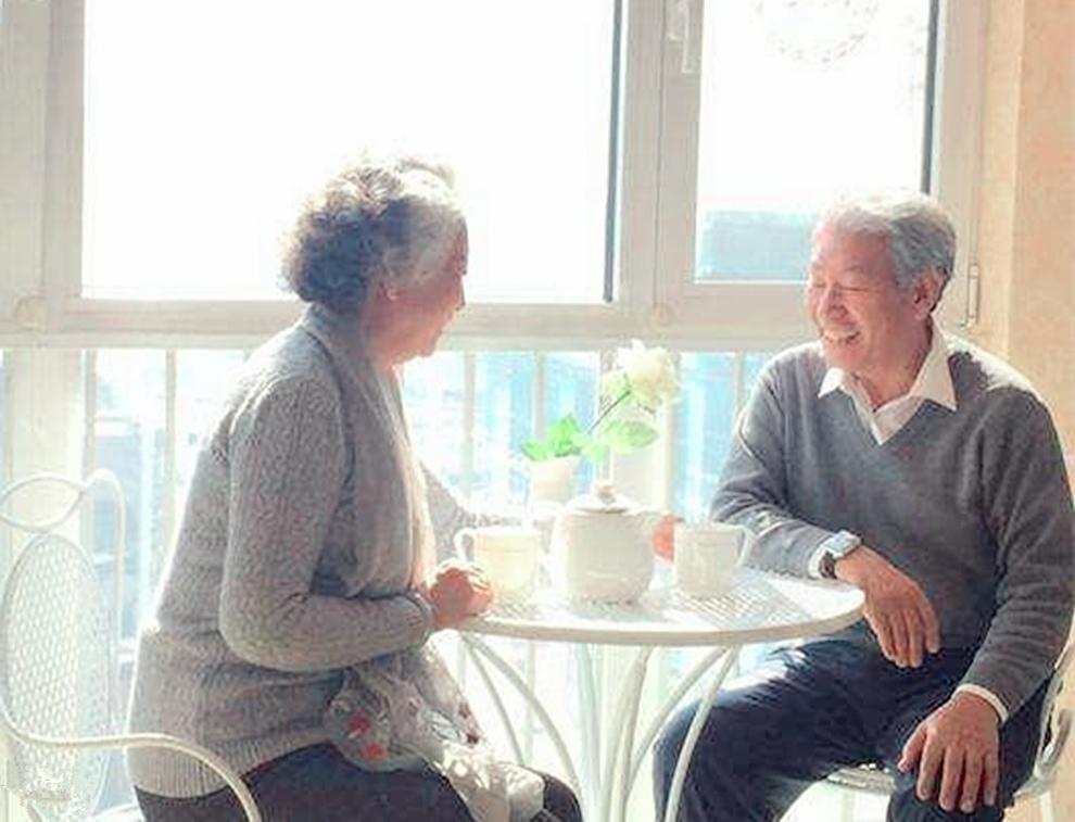 """""""养娃的钱,用来养老"""",丁克的晚年比我们幸福?对比下就知道了"""