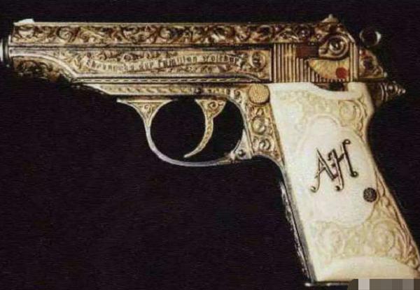原创            全球最贵的4把枪:萨达姆黄金AK排最后,第1乾隆猎枪1700万