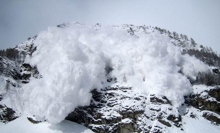 印控克什米尔发生雪崩,4名印军倒下,有5名平民死亡
