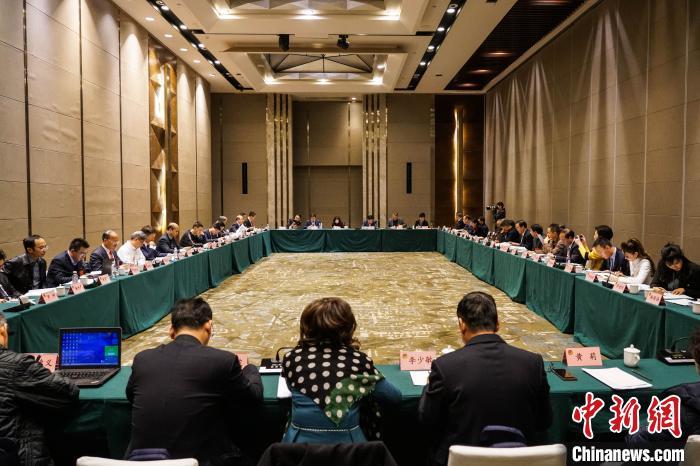 港澳委员建言贵州积极融入粤港澳大湾区建设