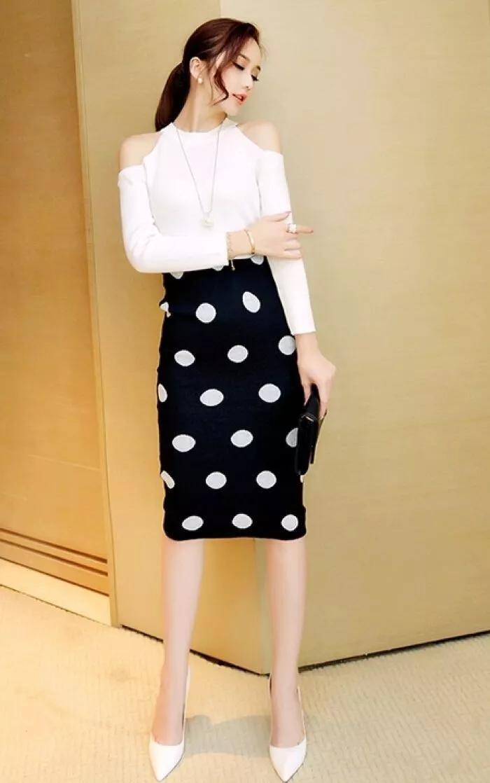【推荐】原创女生搭配高跟鞋,简单的搭配也变得时尚