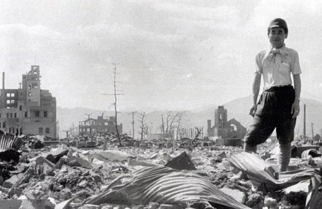 原子弹爆炸时,跳进水里能躲过一劫吗?日本当年幸存者说出实情