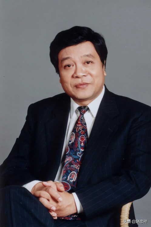 赵忠祥生日当天去世,其子赵方发微博证实,朱军倪萍王刚曾前往医院探望