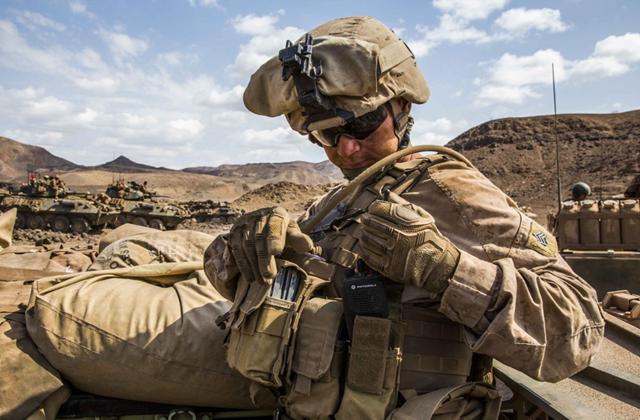 原创            为啥美国士兵都穿防弹衣,解放军却很少用?答案别不信