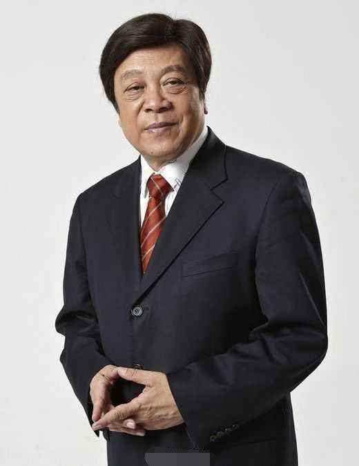 马伊琍发文悼念赵忠祥因措辞引发讨论,两拨网友争辩不休_中国