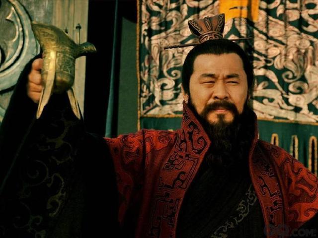 曹操打仗靠盗墓,那么刘备军饷从哪来呢?手段更加卑劣