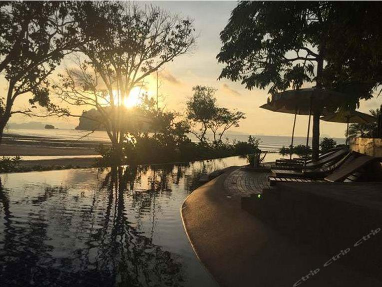 过年去哪玩?泰国普吉岛打卡网红大树秋千、普吉镇老街。最高立减2000元/人,搞起!