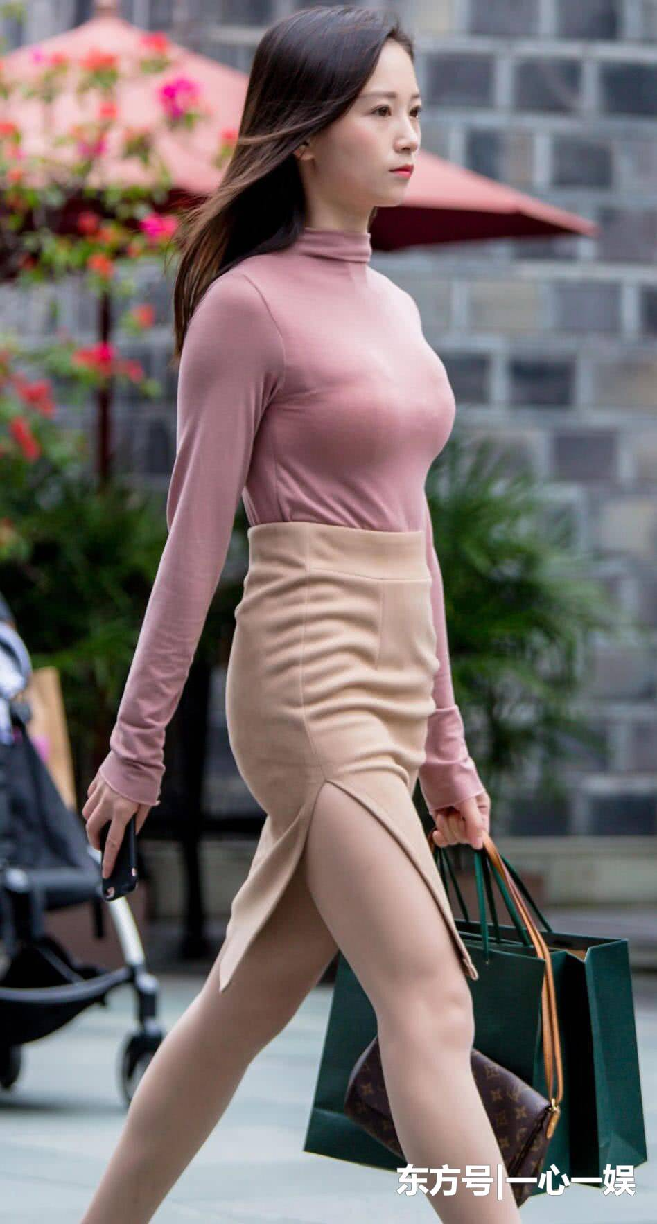 街拍:美女,动若脱兔大方,美丽性感,格外的时尚靓丽迷人!