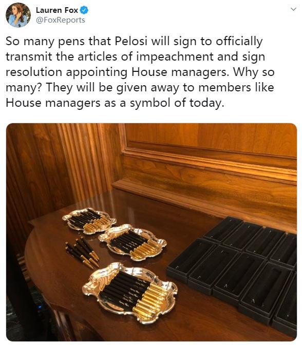 佩洛西用30支鋼筆簽署特朗普彈劾案文件激怒共和黨:太過分了