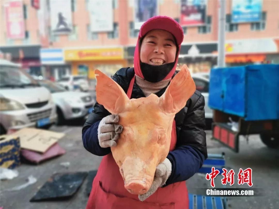 """冻鱼、冻梨、冻柿子……在东北过冬就应该""""冻吃大吃"""""""