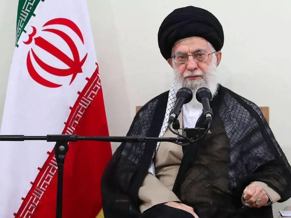 """成都小升初哈梅内伊猛批特朗普""""美国小丑"""":他宣称""""站在伊朗人"""