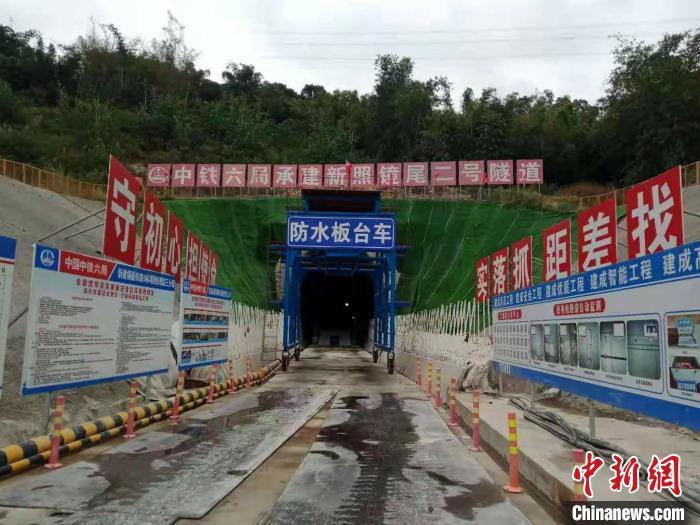 工地过年 百名建设者新春坚守新建福厦铁路一线