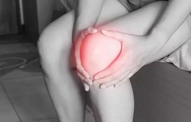 原创骨科大夫告诉您:膝关节有积液严重吗?该怎么办?