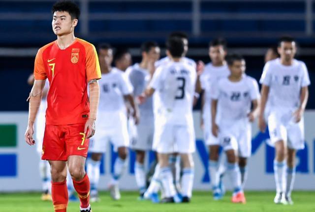 足球专家曝光国奥出局原因:基本功太差,提高薪水让他们没动力
