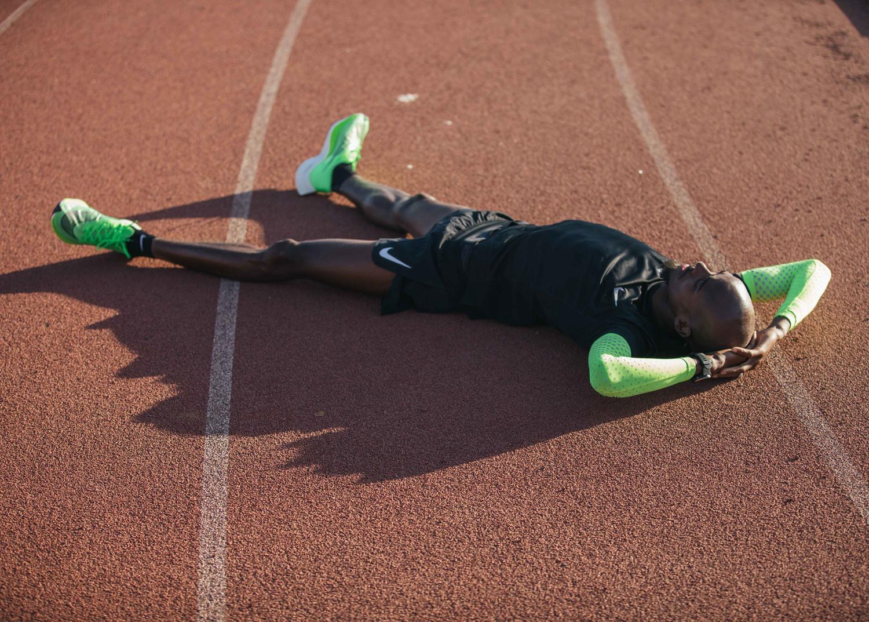如果马拉松比赛不让穿小红鞋,小粉鞋,小绿鞋