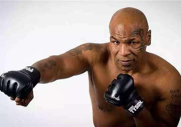 """原创            拳头力量最大是谁?""""拳王""""泰森一拳800公斤,这位目前没人能超越"""