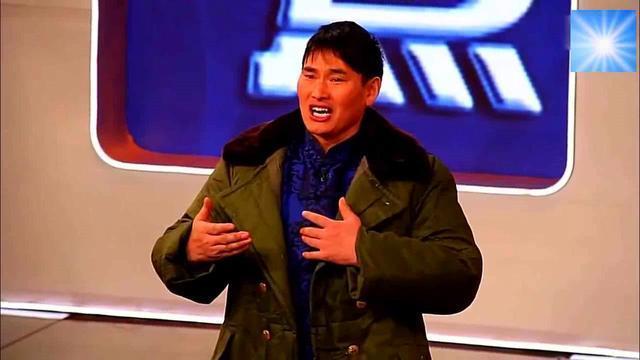 大衣哥又穿上了军大衣,之前那件曾被拍卖了51.8万