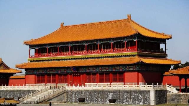 祖上留下些旧家具,后来才知都是明清时代的,卖掉后成中国女首富