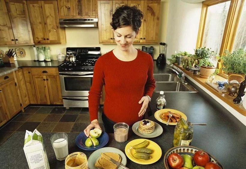 产检时胎儿体重9斤,婆婆直夸是自己的功劳,医生却暗自摇头